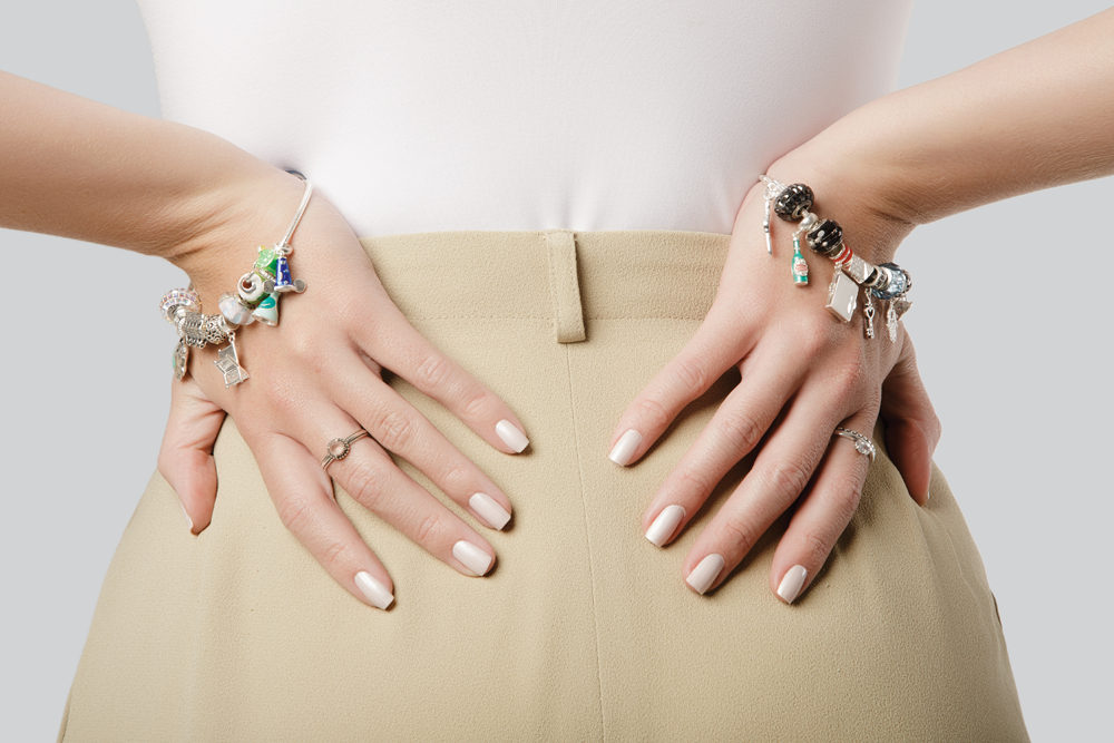 3db59284fdd9 Berloques pretos: charme discreto para a sua pulseira - Prata e Arte ...