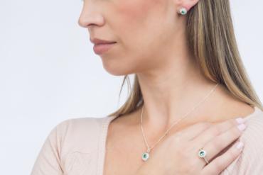 joias de cor verde